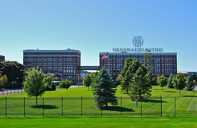 GE's earnings per share to go down to zero, before picking up in 2021